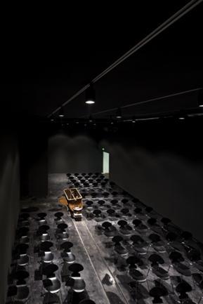 Vista Interior de Sala de Exposições