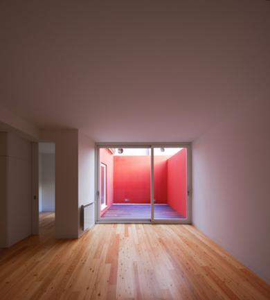 Vista Interior da Sala e Pátio