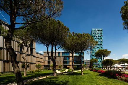 Vista Jardim Interior e Edificios Pinhal e Torre