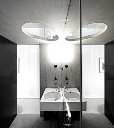 Vista Interior de Instalação Sanitária